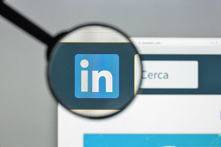 6 Best Ways to Optimize Your Keywords for a More Powerful LinkedIn Profile
