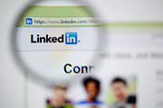How to Add Recruiters to Your LinkedIn Network