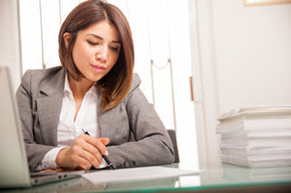 How Employers Review Resumes and Applications: The Secret for Standing Out